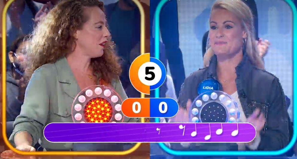 Silvia Marty y Lydia Valentín pugnan en la prueba de 'La Pista' de Pasapalabra 1