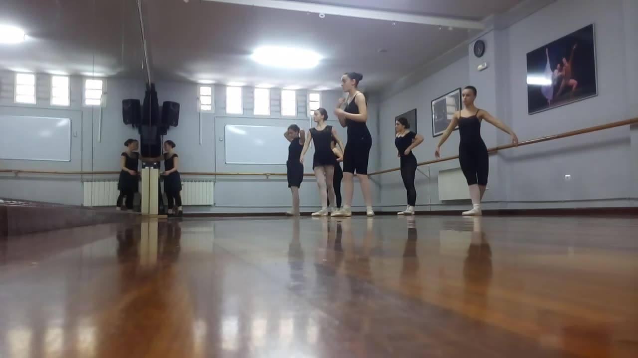 La Universidad de León firma un convenio con la Escuela de Danza Coppelia de Ponferrada 1