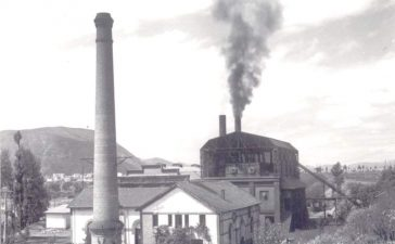 La histórica chimenea de la Fábrica de luz volverá a echar humo el 4 de diciembre para celebrar Santa Bárbara 21