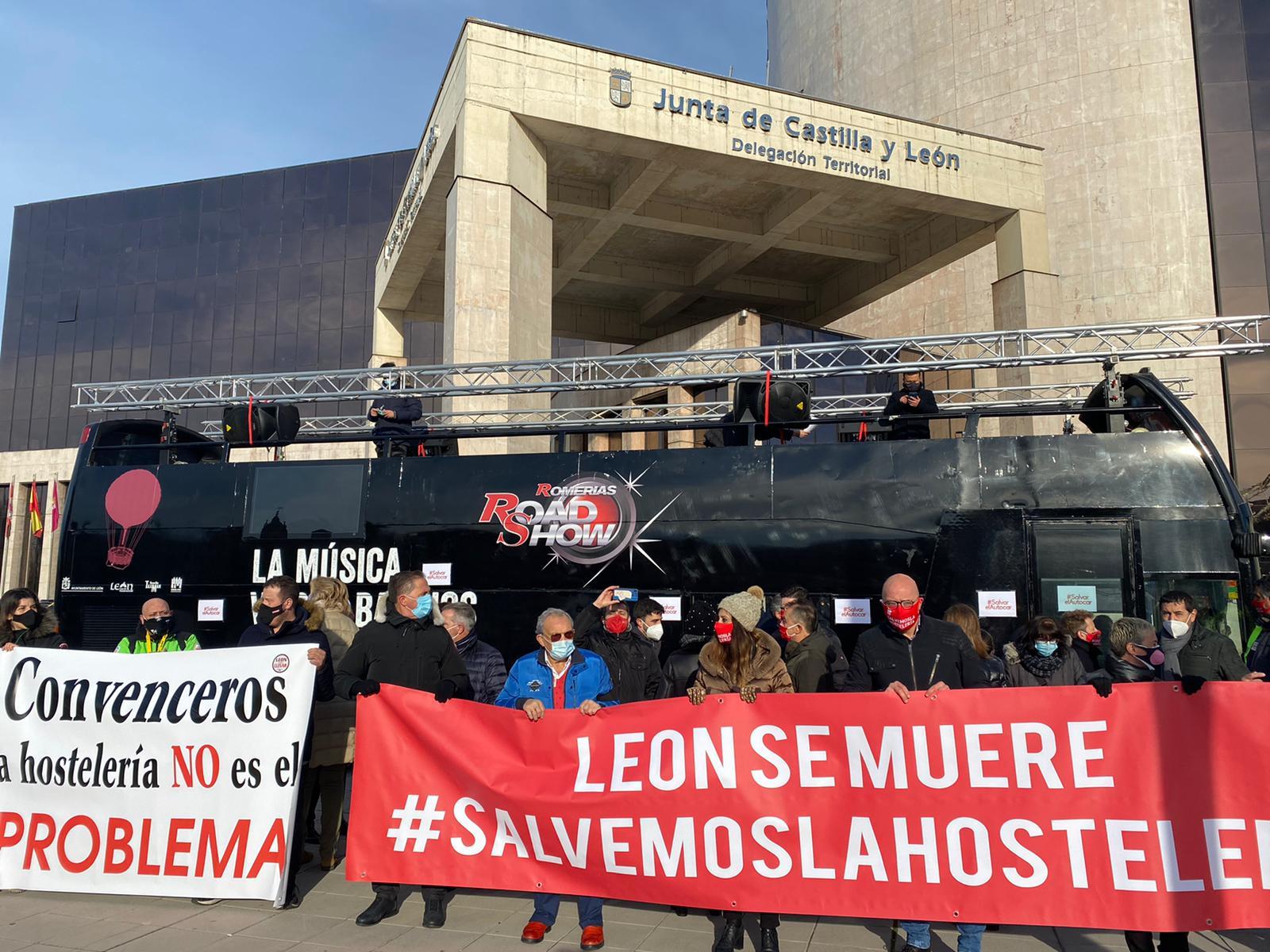 La hostelería de la provincia alza la voz ante la Junta de Castilla y León en la capital 1