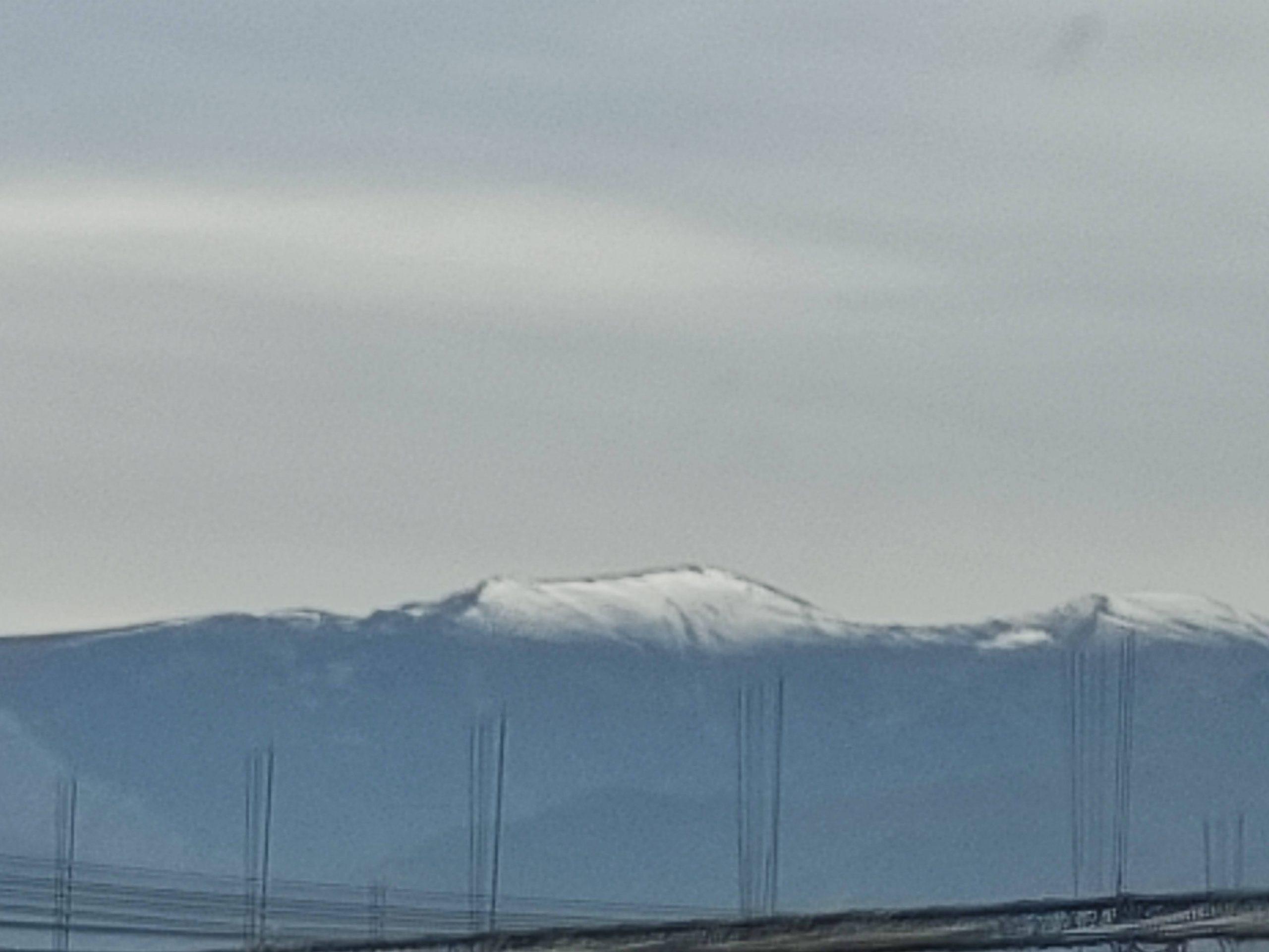Las cumbres amanecen pintadas de blanco avisando de la llegada de una nueva dana durante el puente de diciembre 1