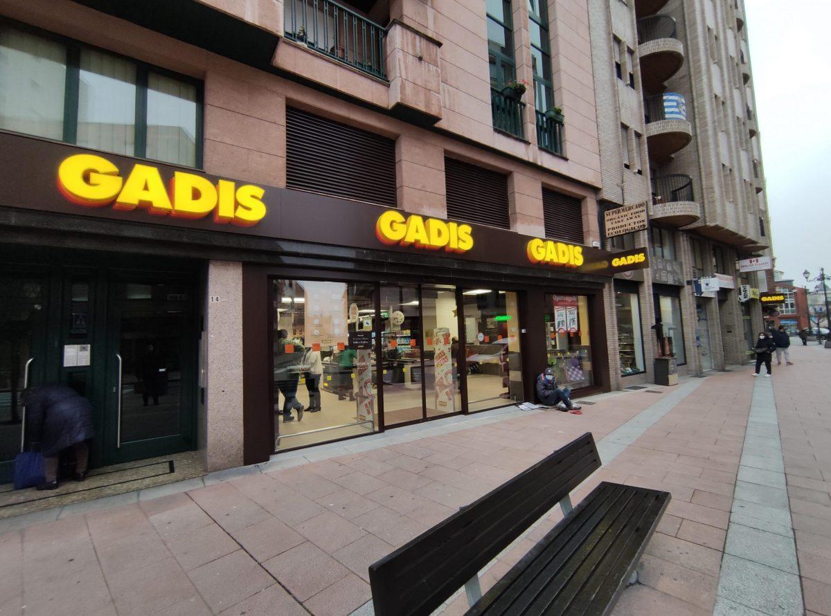 El Supermercado GADIS de la Calle Ancha reabre en Ponferrada, ampliando la superficie de venta 1
