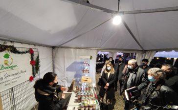 Inaugurado el mercadillo navideño en la plaza del Ayuntamiento de Ponferrada 7