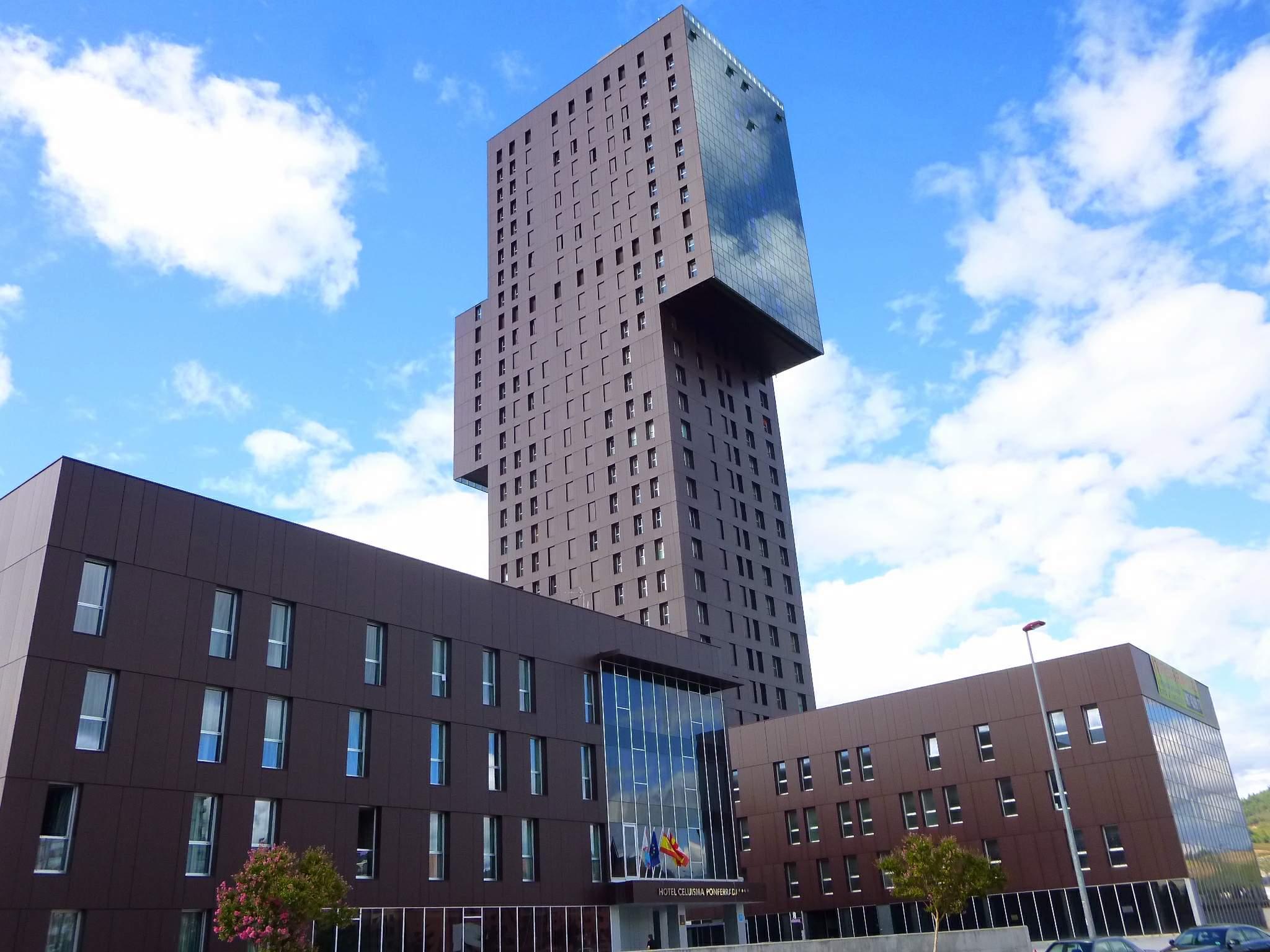 EL blog de la cadena Zenit hoteles incluye a la Torre de la Rosaleda entre los 15 edificios más feos y raros de España 1