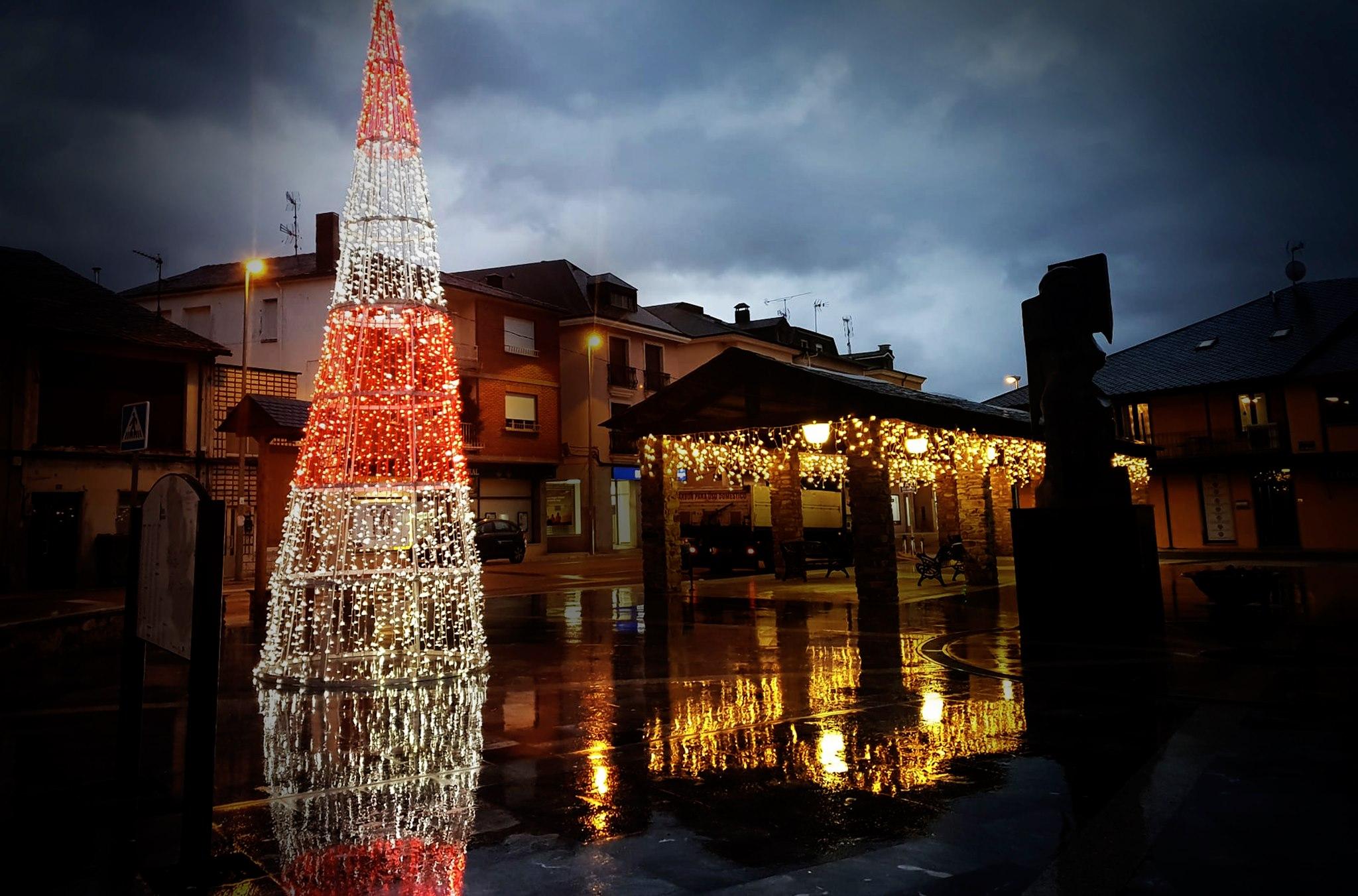 Camponaraya, Cacabelos y Bembibre ya lucen la Navidad 2020 5