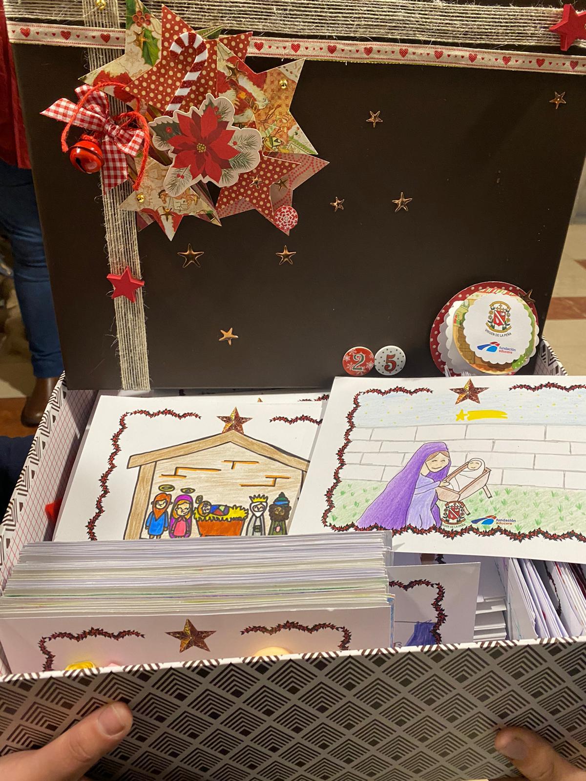 Niños de Bembibre entregan 300 postales para que Cruz Roja y Caritas feliciten a los usuarios de sus servicios 2