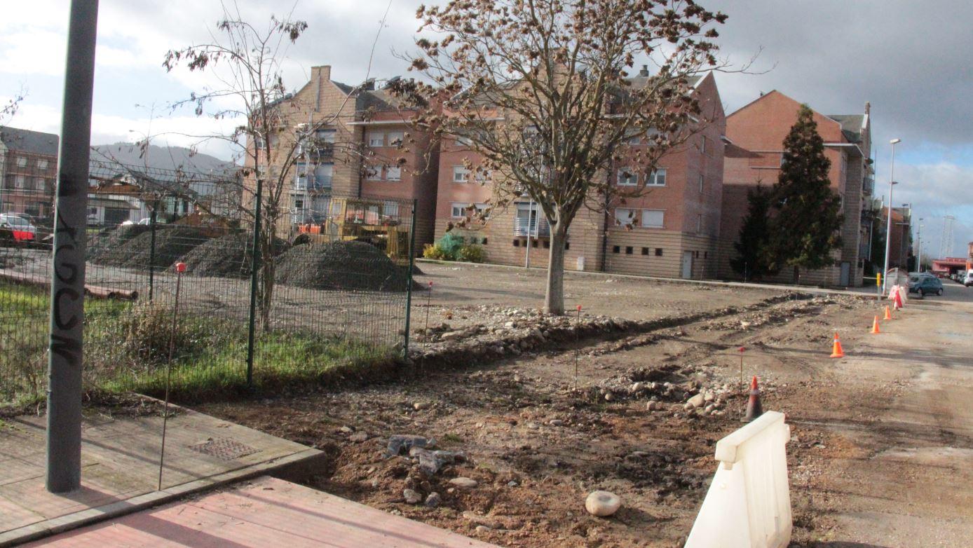 Ponferrada acondiciona la zona degradada contigua al economato de Endesa en el barrio de Compostilla 1