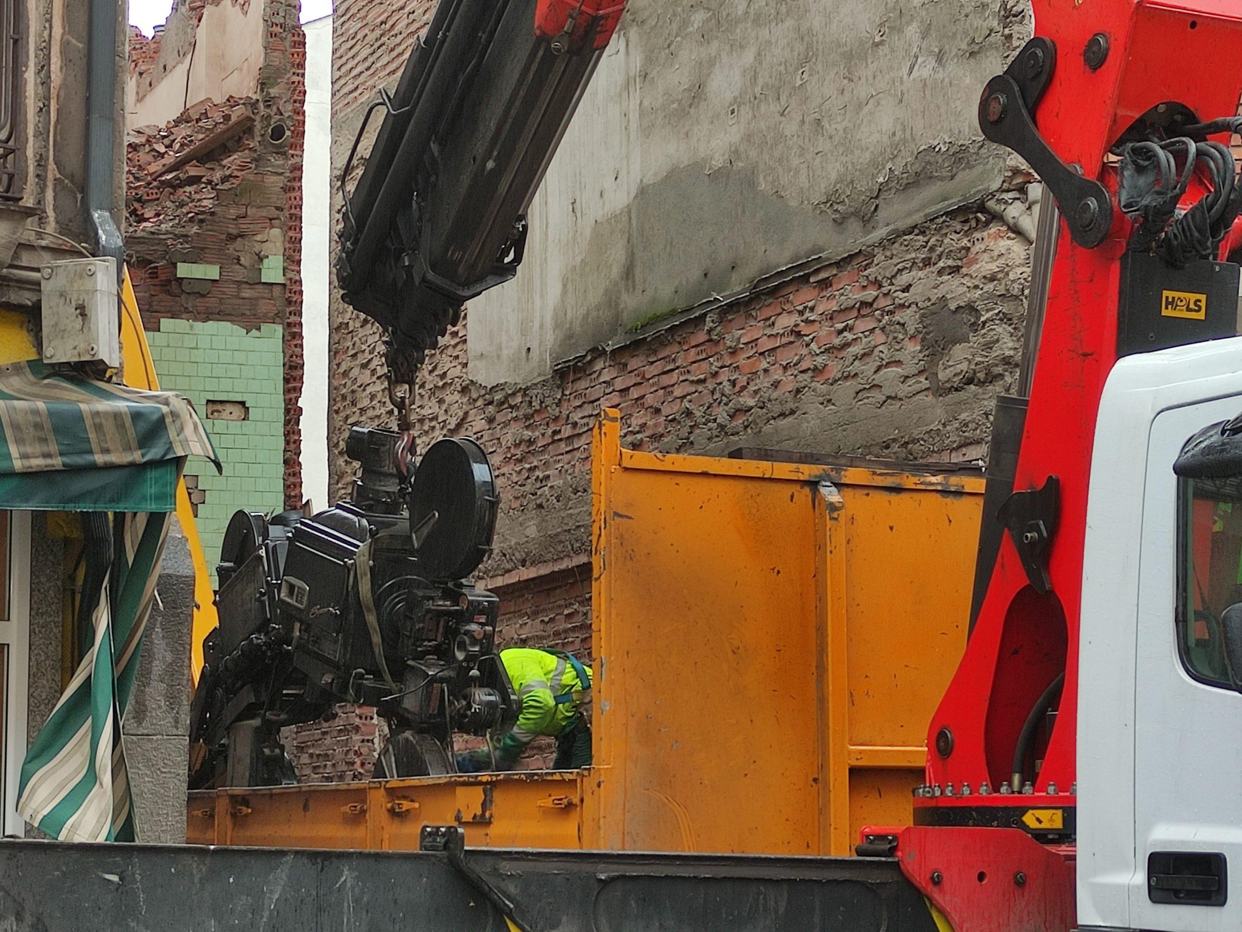 VÍDEO Y FOTOS | Así se despidieron los dos proyectores de carbones del emblemático Cine Adriano 5