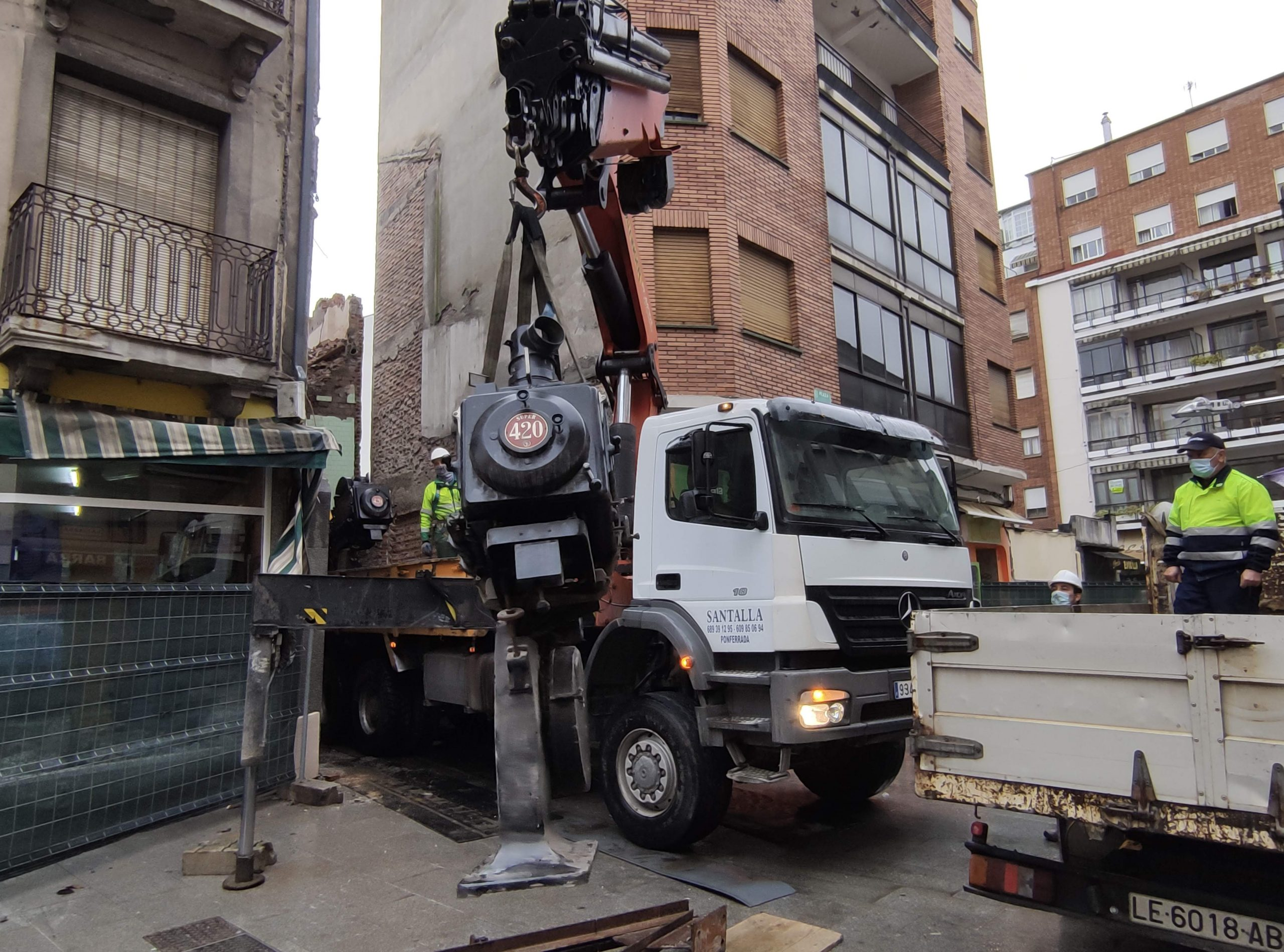 VÍDEO Y FOTOS | Así se despidieron los dos proyectores de carbones del emblemático Cine Adriano 4