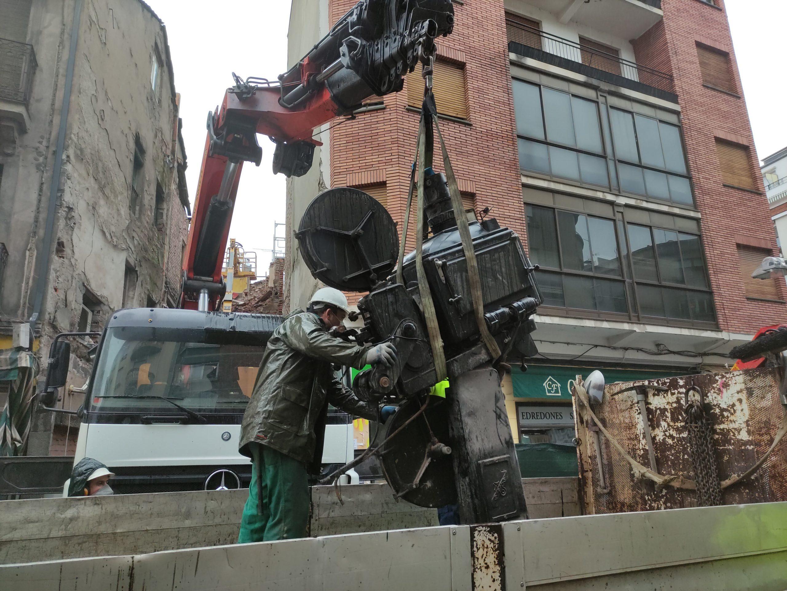 VÍDEO Y FOTOS | Así se despidieron los dos proyectores de carbones del emblemático Cine Adriano 3