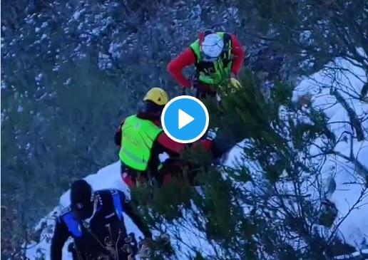 Policía Municipal y Bomberos de Ponferrada rescatan a un excursionista en la Cascada de Gualtón que tiene que ser trasladado en el helicóptero 112 1