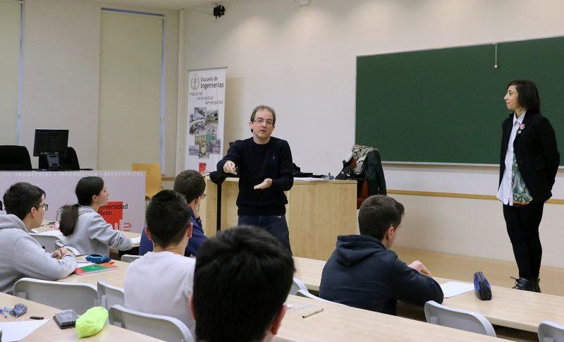 Javier Castro García, alumno del IES Gil y Carrasco de Ponferrada, a por la fase regional de la olimpiada Matemática 1