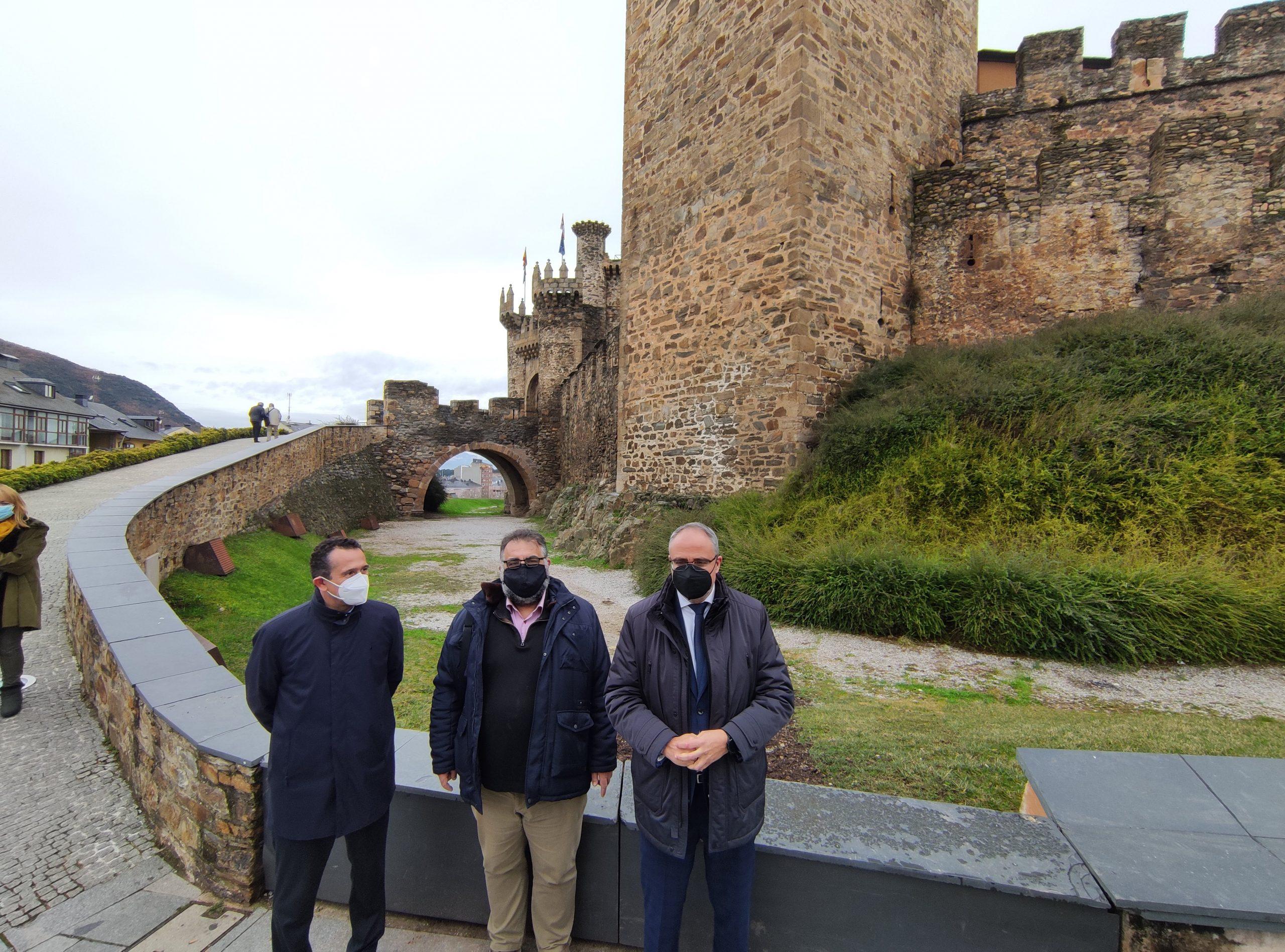Terminan las obras de restauración del acceso al Castillo de los Templarios de Ponferrada con la recuperación del puente levadizo 2