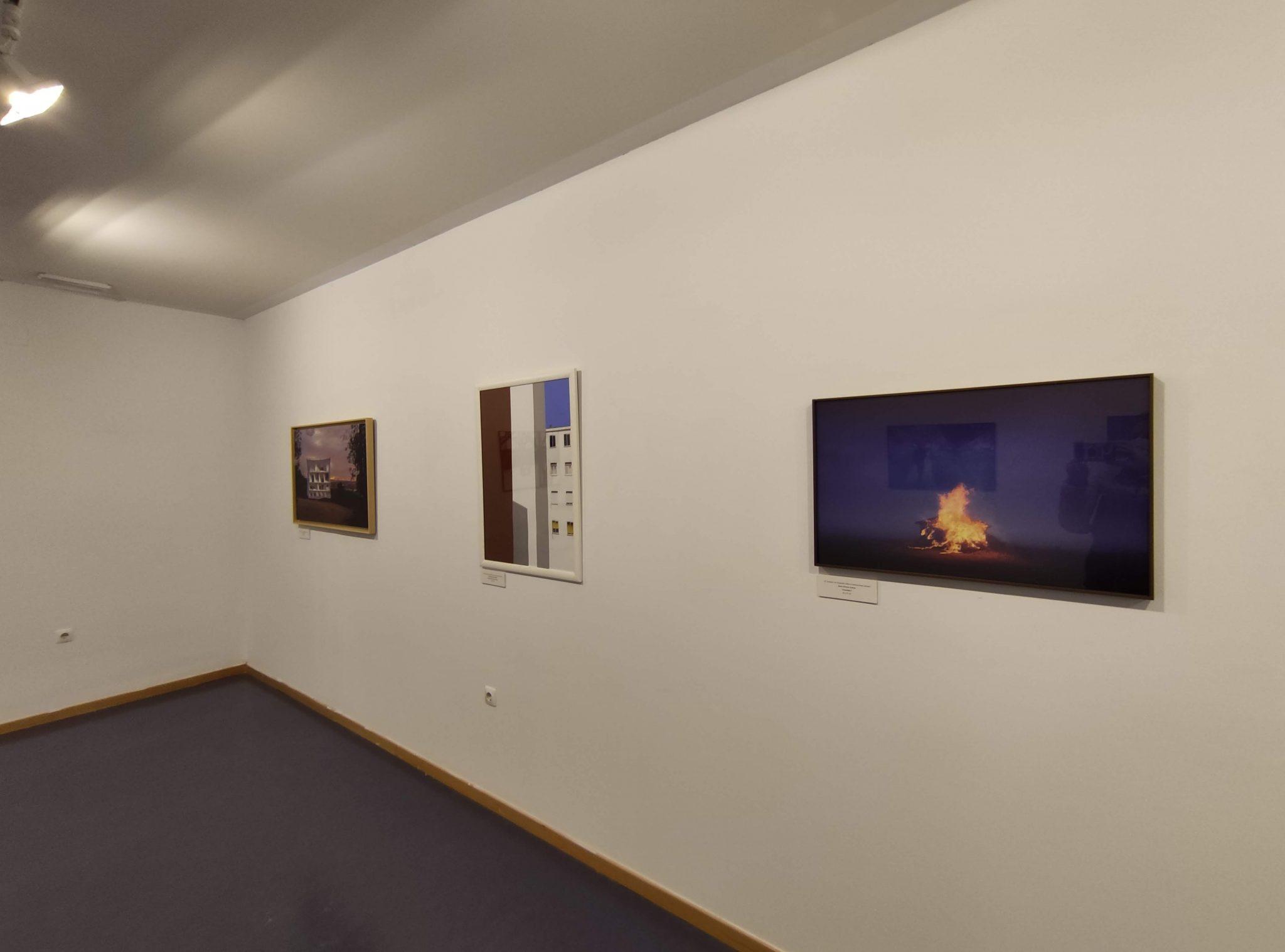 Inaugurada la exposición de obras del '5º Certamen de fotografía urbana contemporánea leonesa' en el campus de Ponferrada 3