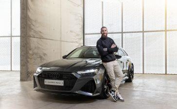 Los jugadores del Real Madrid C.F. reciben las llaves de sus nuevos Audi 6