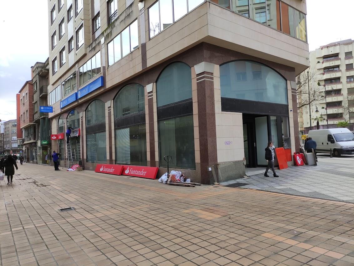 Santander Empresas cierra su oficina en la Calle del Cristo de Ponferrada 2