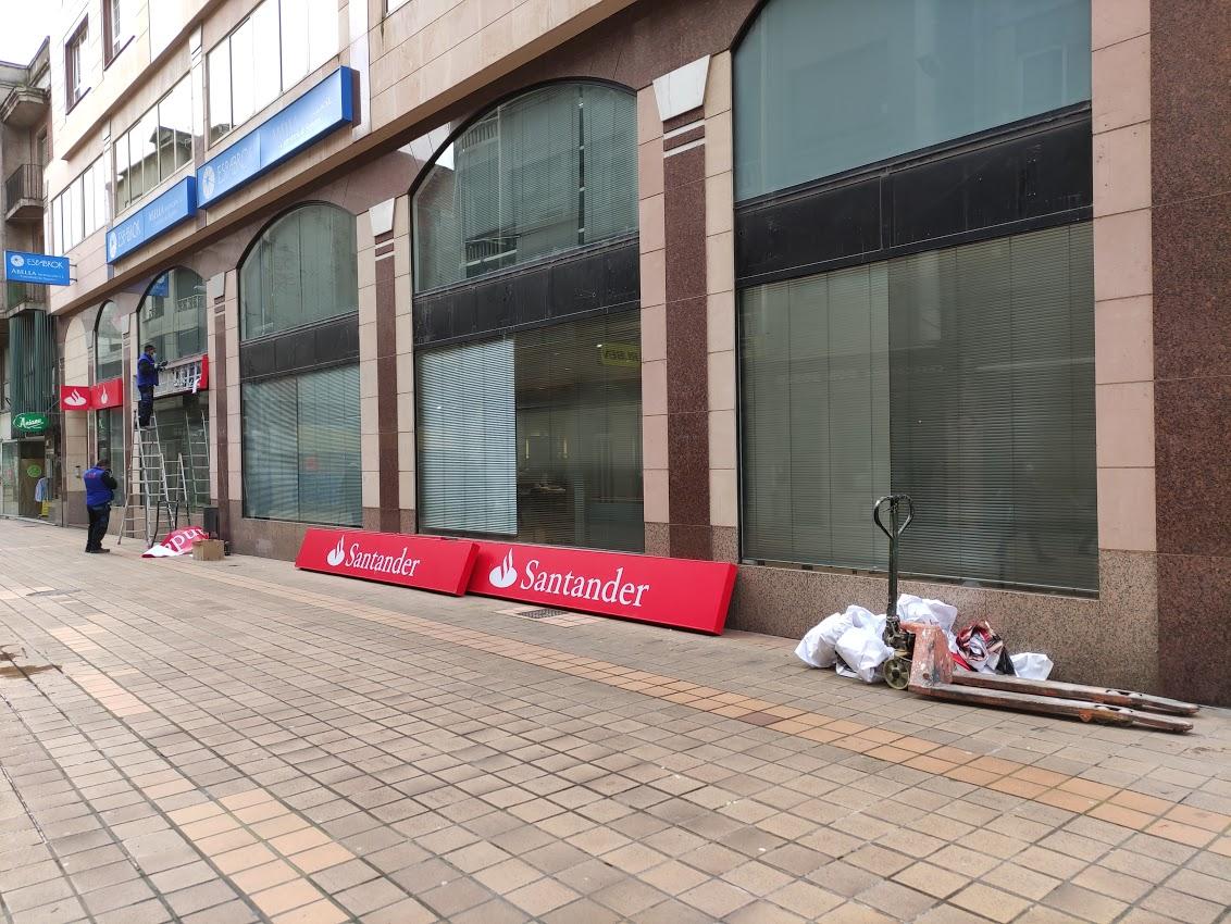 Santander Empresas cierra su oficina en la Calle del Cristo de Ponferrada 3