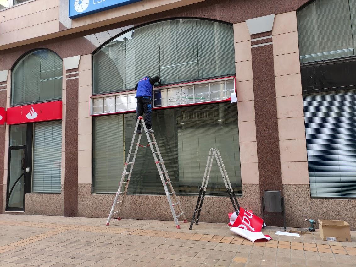 Santander Empresas cierra su oficina en la Calle del Cristo de Ponferrada 1