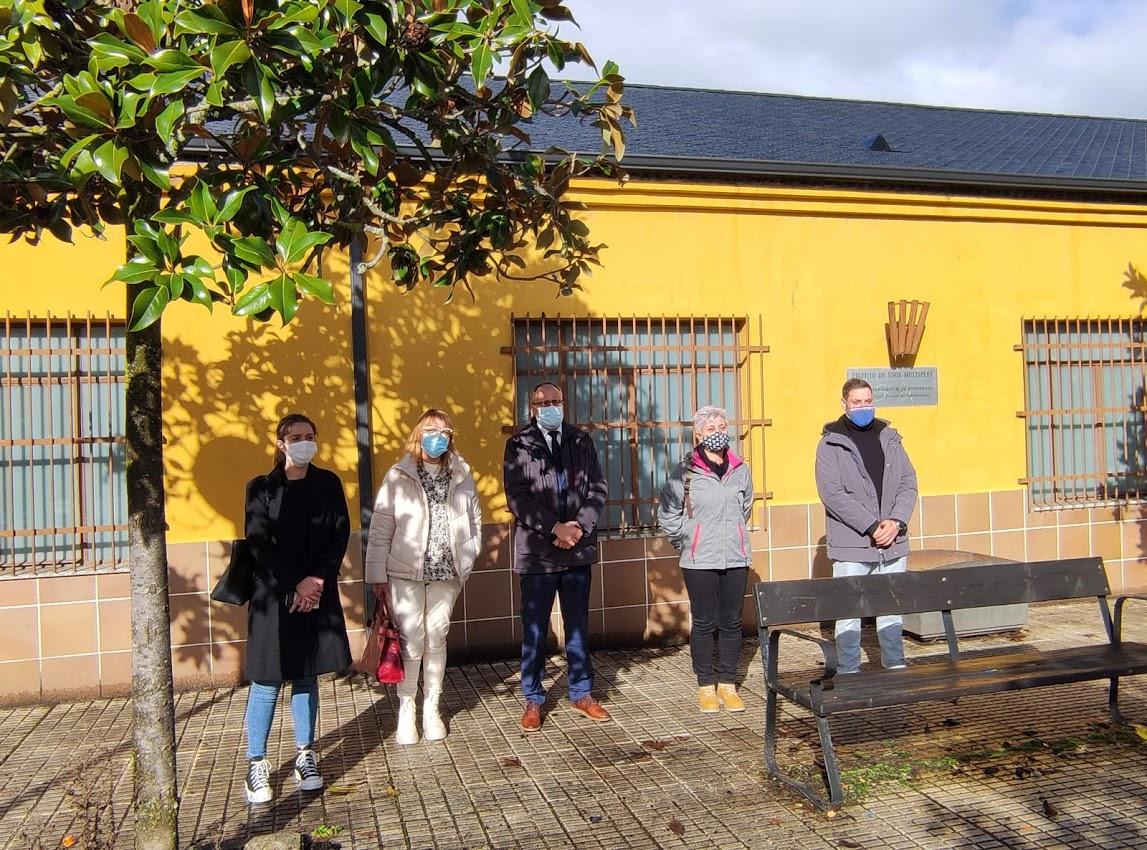 Renovada la cubierta del edificio de usos múltiples y los vestuarios de fútbol de Columbrianos 1