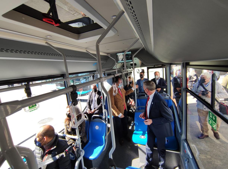 Los autobuses 'blanquiazules' del nuevo Servicio Municipal de Transporte de Ponferrada, inician su andadura 3