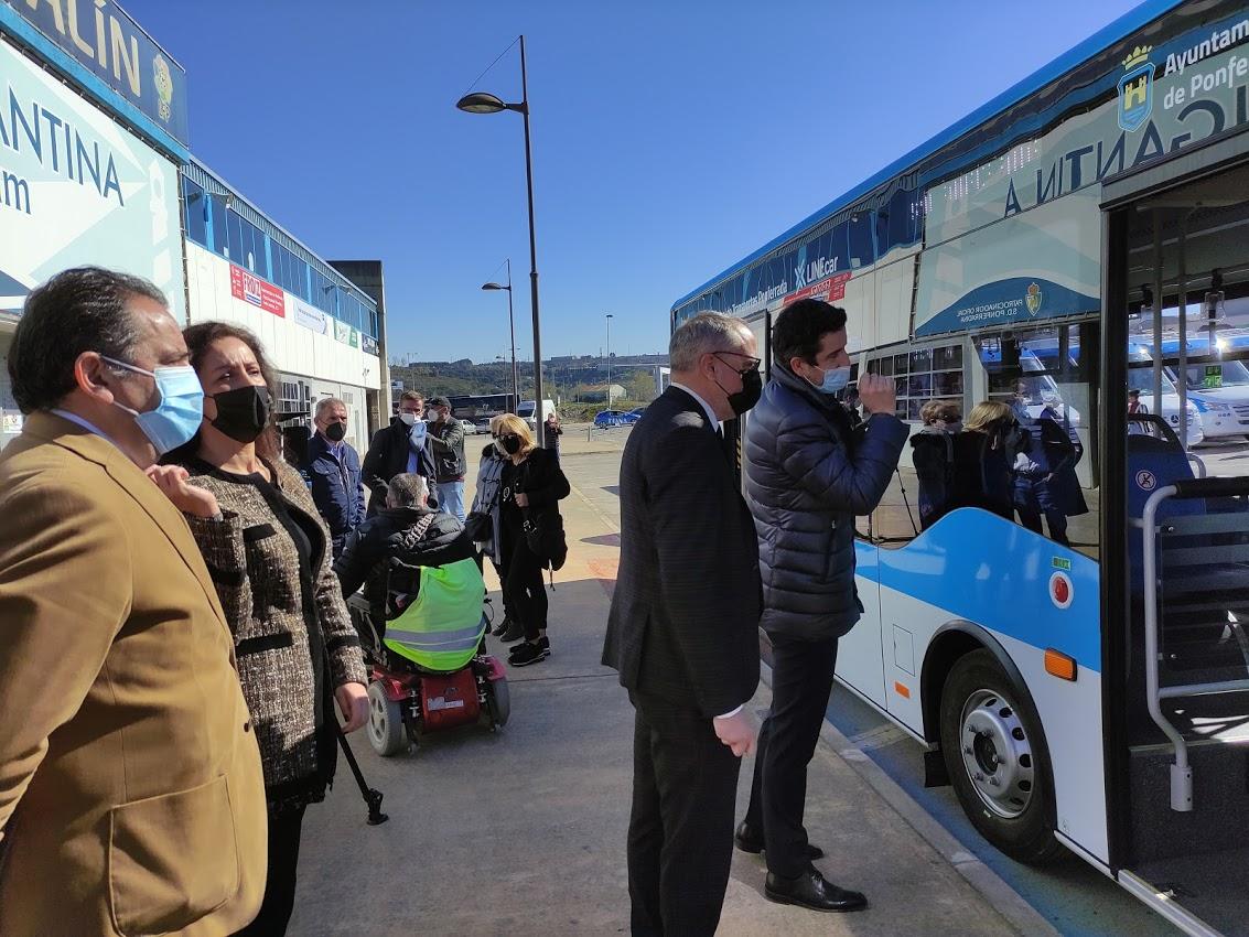 Los autobuses 'blanquiazules' del nuevo Servicio Municipal de Transporte de Ponferrada, inician su andadura 9