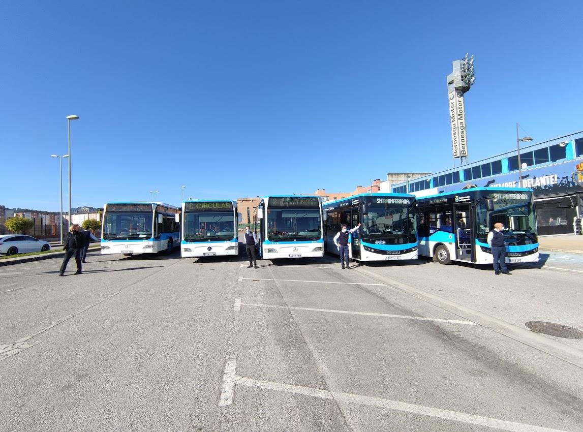 Los autobuses 'blanquiazules' del nuevo Servicio Municipal de Transporte de Ponferrada, inician su andadura 4
