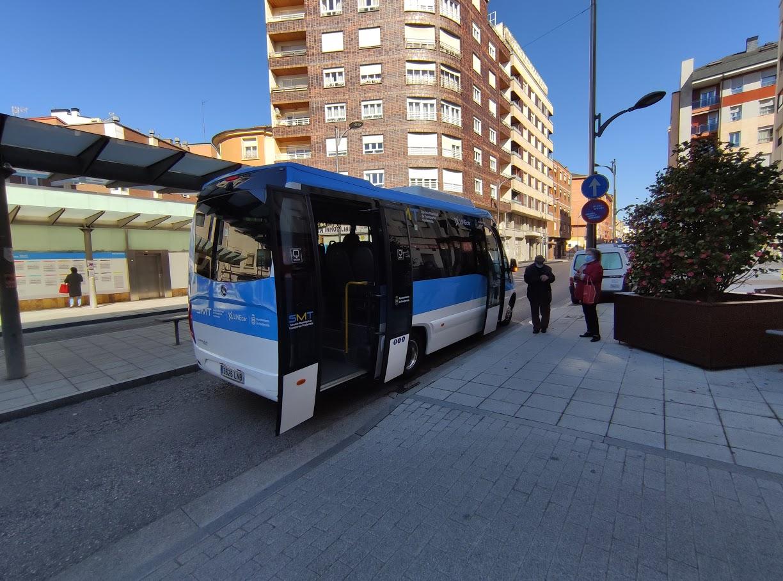 El SMT de Ponferrada comienza a recorrer las calles de la ciudad 1