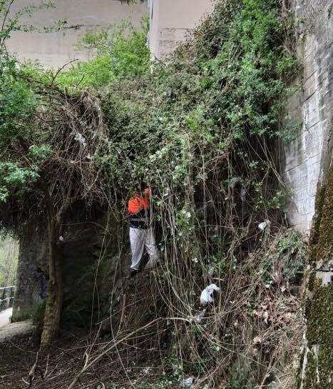 Ponferrada acondiciona el paso del paseo del río bajo el puente de La Puebla 2