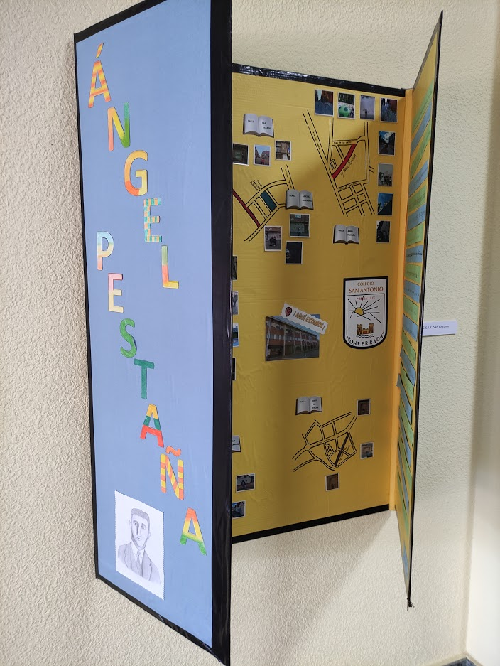 """Inaugurada la exposición """"Callejero literario"""" expone una selección de los trabajos de los escolares de Ponferrada 8"""