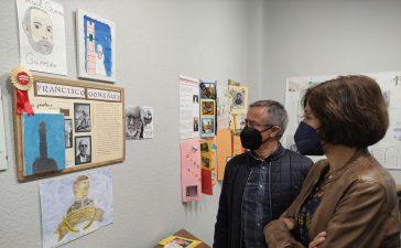 """Inaugurada la exposición """"Callejero literario"""" expone una selección de los trabajos de los escolares de Ponferrada 4"""