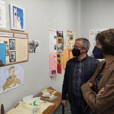 """Inaugurada la exposición """"Callejero literario"""" expone una selección de los trabajos de los escolares de Ponferrada 9"""