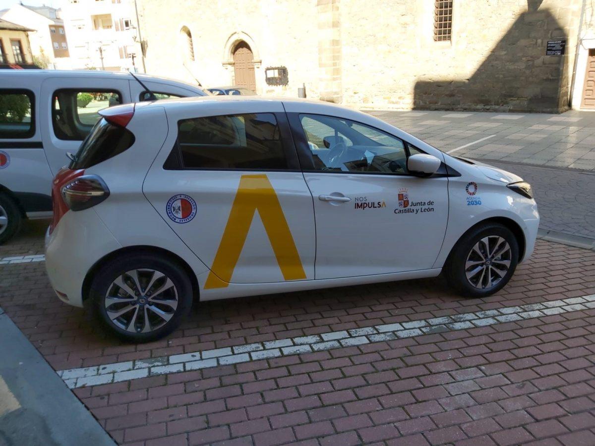 Bembibre incorpora dos vehículos eléctricos al parque del Ayuntamiento 1