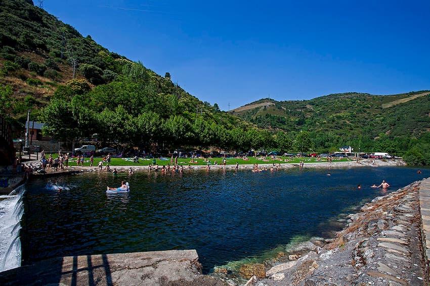 Playas fluviales en el Bierzo para disfrutar del baño este verano 9