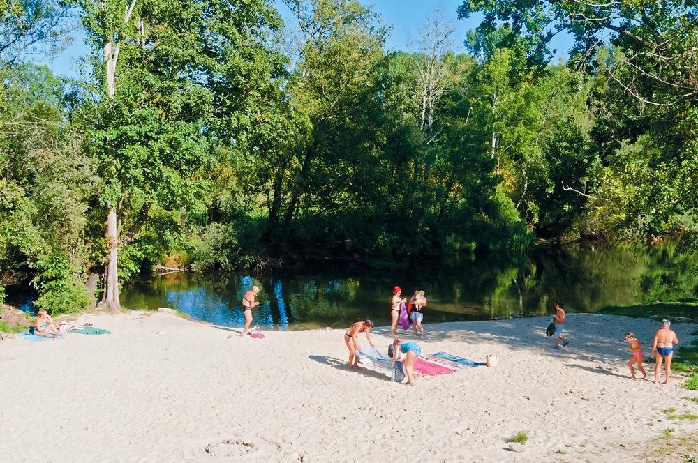 Playas fluviales en el Bierzo para disfrutar del baño este verano 3