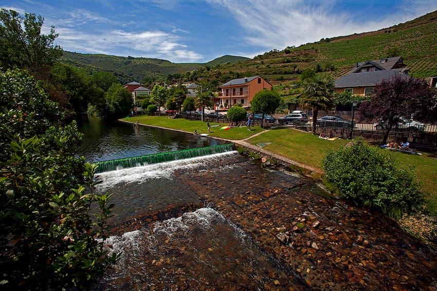 Playas fluviales en el Bierzo para disfrutar del baño este verano 10
