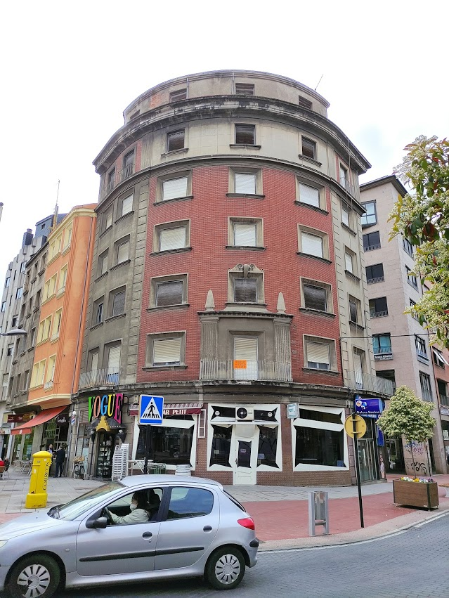 6 Edificios vacíos en Ponferrada que nos encantaría ver ocupados 2