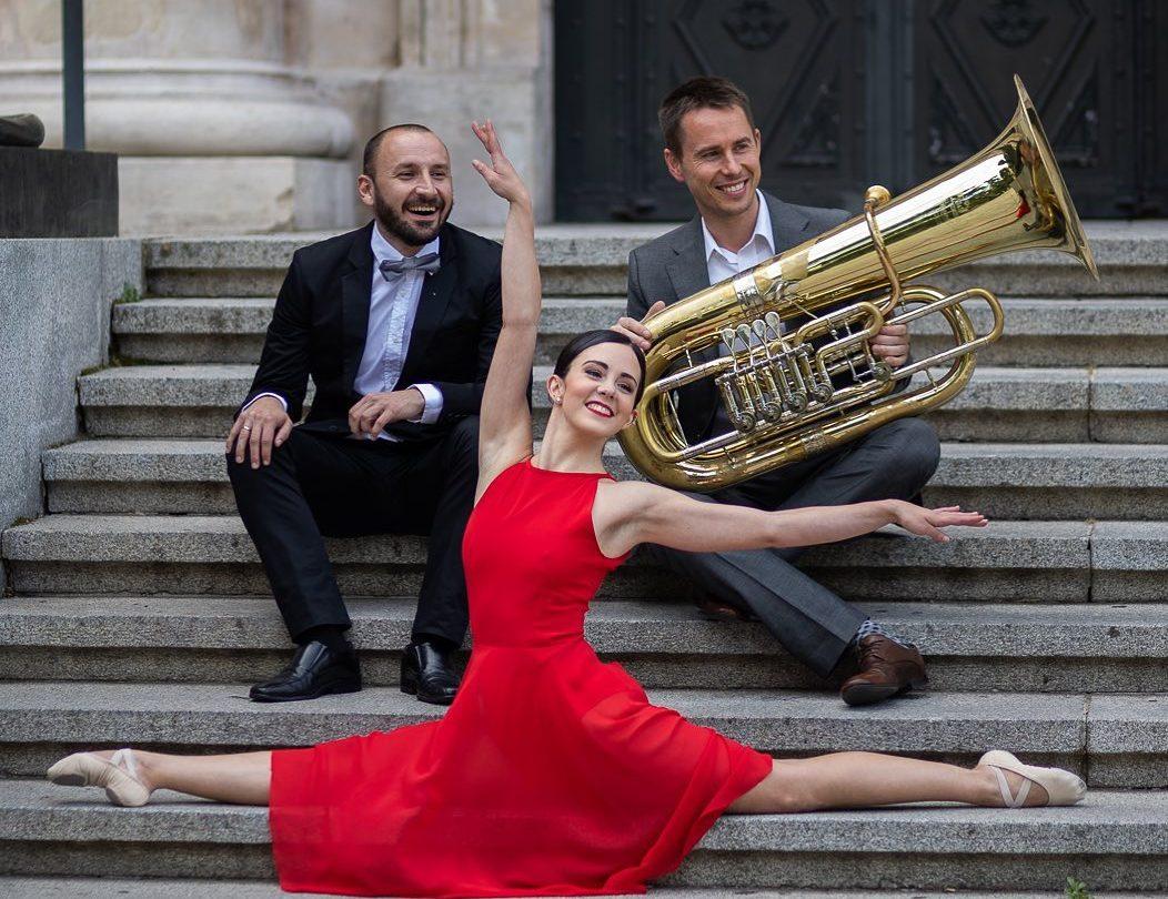'Alma quiere una tuba' El Duo2Arts, la tuba, el piano y la danza se unen el sábado en el Bergidum 1