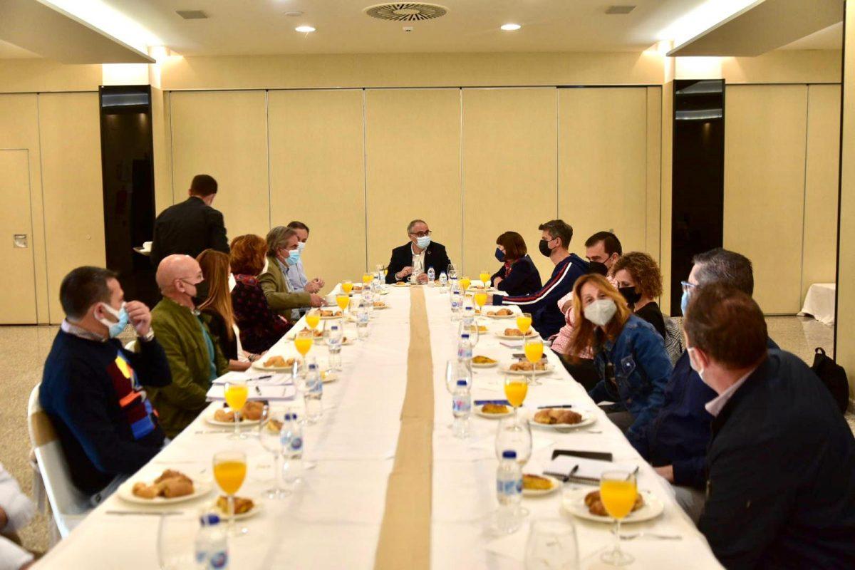 El equipo de gobierno de Ponferrada organiza un desayuno con los medios locales para conversar del plan estratégico 2030 1