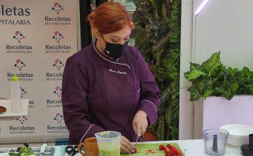 La Clínica Ponferrada inaugura su stand en El Rosal con un showcooking de la chef Blanca Mayandía 2