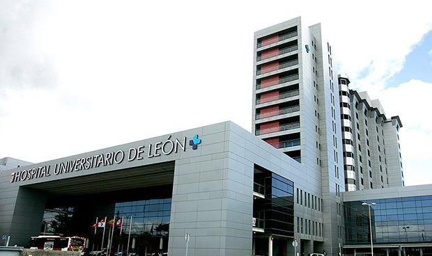 Verónica Casado visita el TAC cardiológico del Hospital Universitario de León, único en España 1