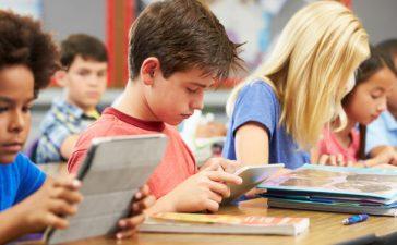 22 centros acogerán el próximo curso 2021-2022 un programa piloto para utilizar libros digitales 7