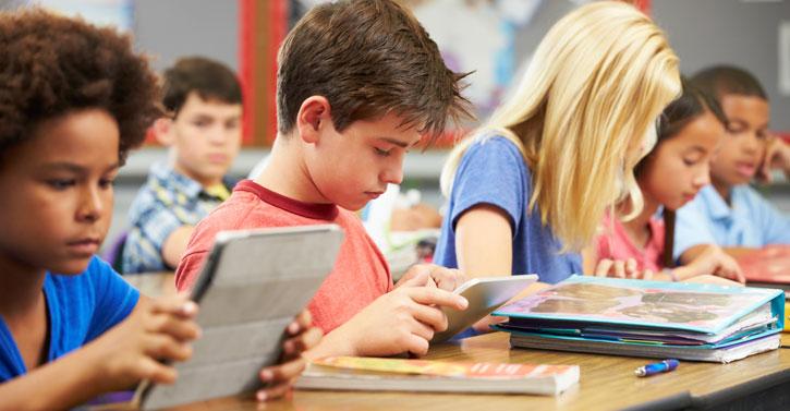 22 centros acogerán el próximo curso 2021-2022 un programa piloto para utilizar libros digitales 1