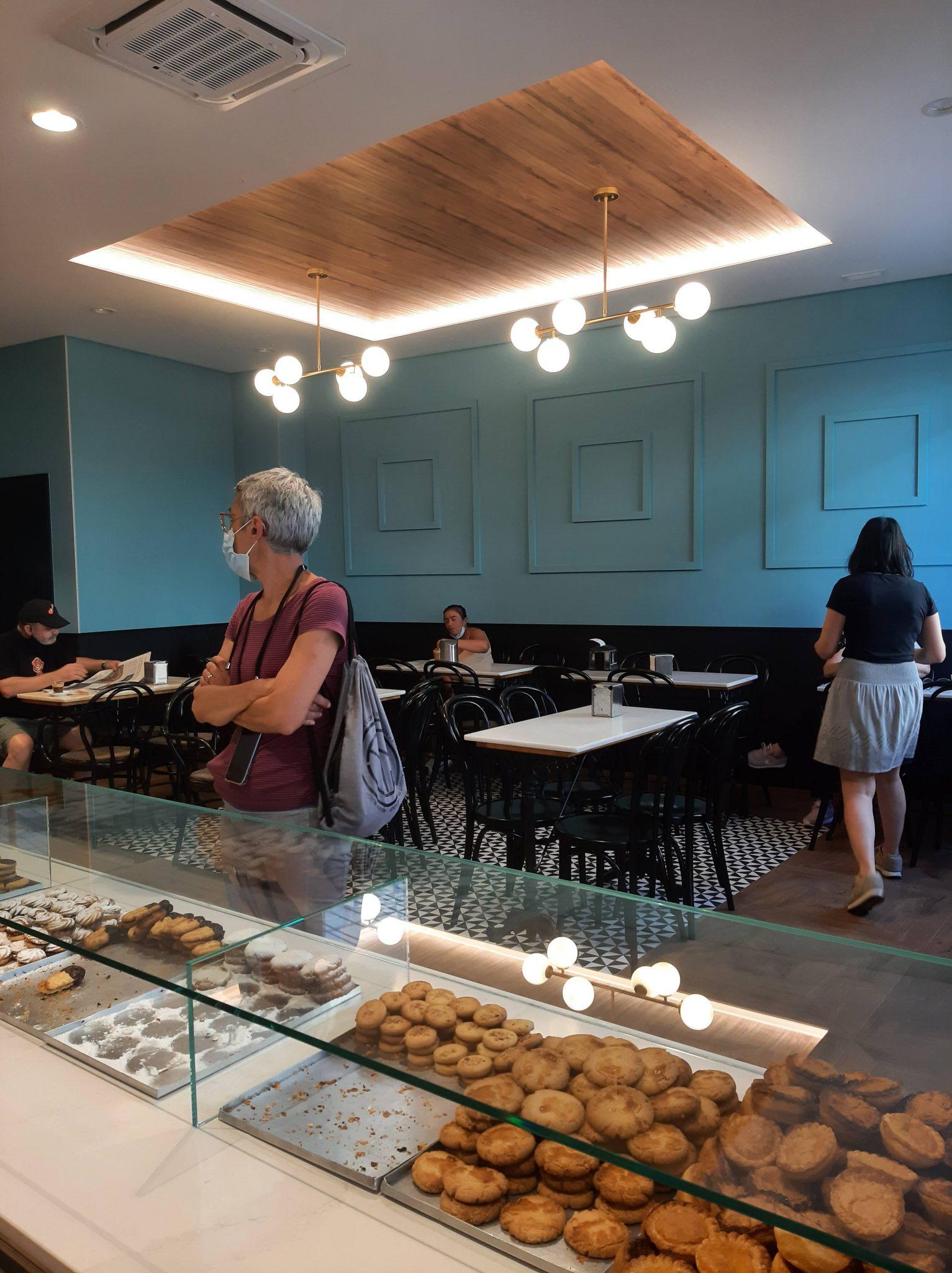 La confitería Ferrero cambia de cara tras siglo y medio endulzando los hogares del Bierzo Alto 2