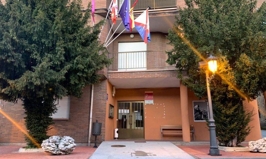 El Ayuntamiento de Torre del Bierzo acoge un nuevo proyecto cultural llamado: un mes un libro 1