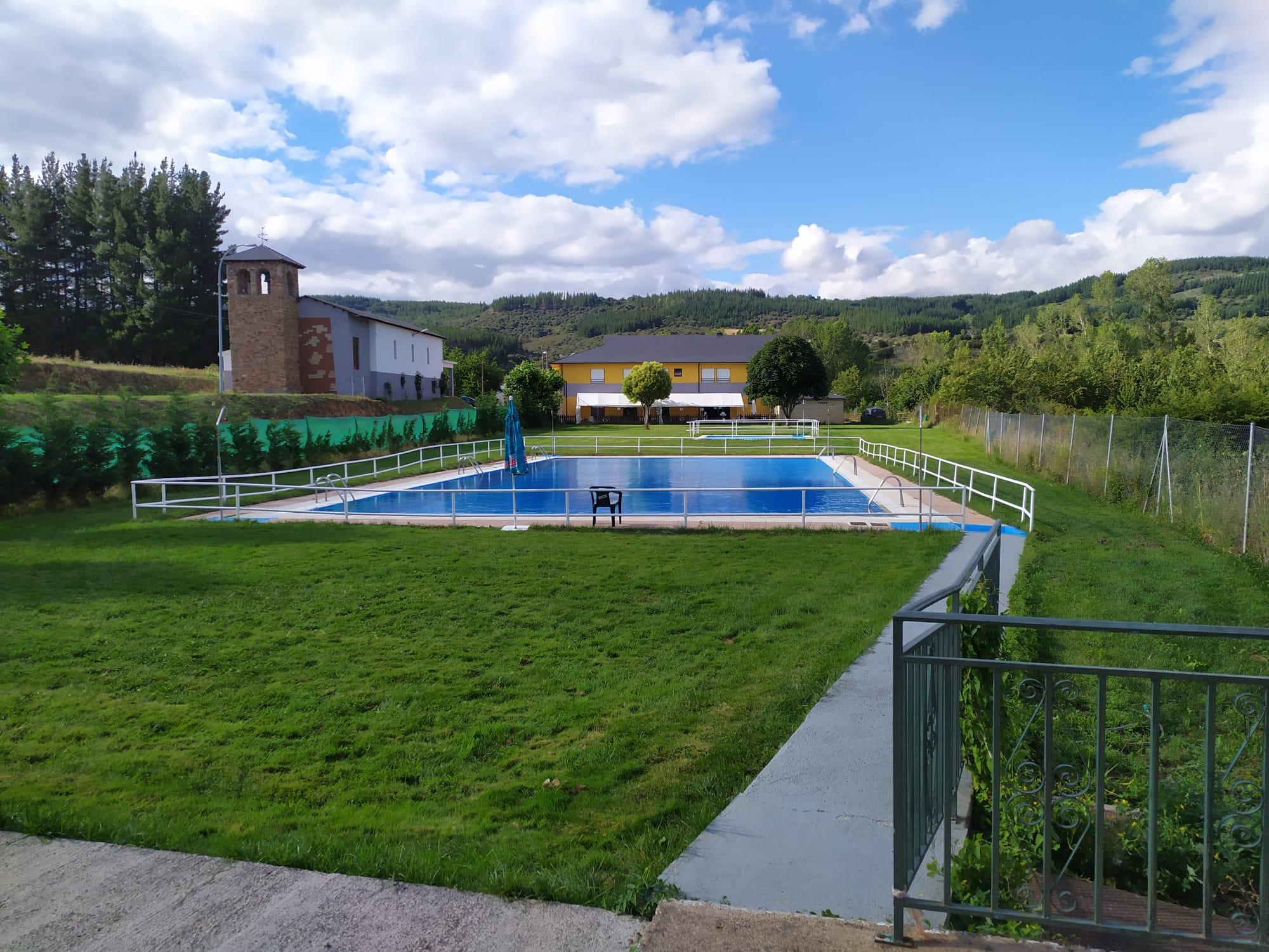 Especial piscinas que no te puedes perder en El Bierzo este verano 12