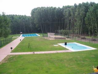 Especial piscinas que no te puedes perder en El Bierzo este verano 2