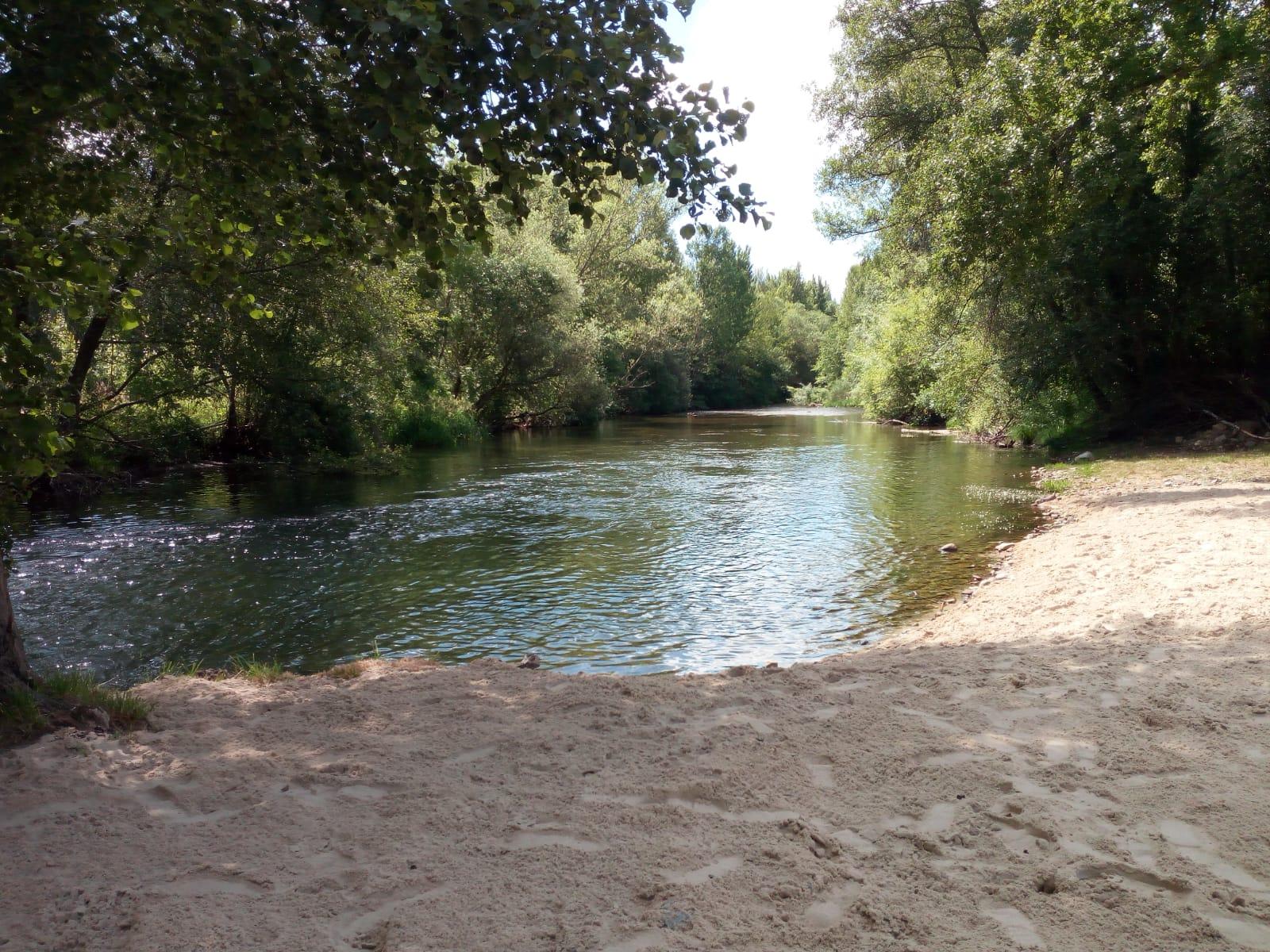 Playas fluviales en el Bierzo para disfrutar del baño este verano 4