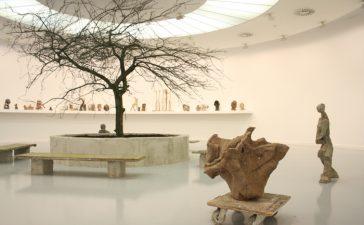 El MUSAC presenta 'IN FLUX', una exposición que trae por primera vez a España la obra de la artista Goshka Macuga 3