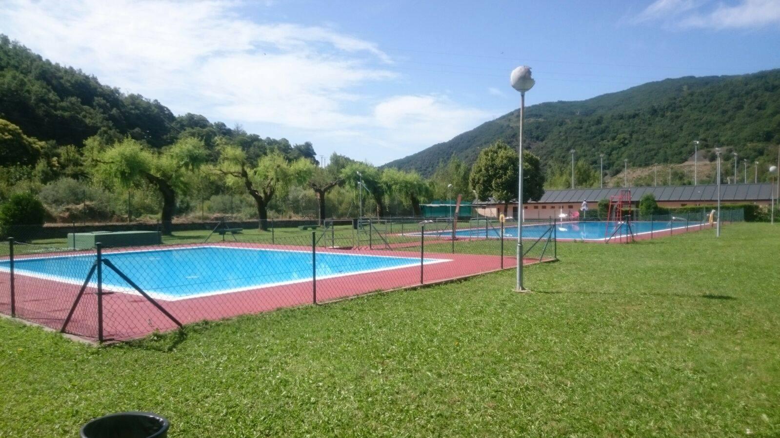 Especial piscinas que no te puedes perder en El Bierzo este verano 13