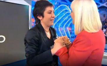 El día que Rafaella Carrá conoció a Isabel, una fan ponferradina en 'Hay una cosa que te quiero decir' 8